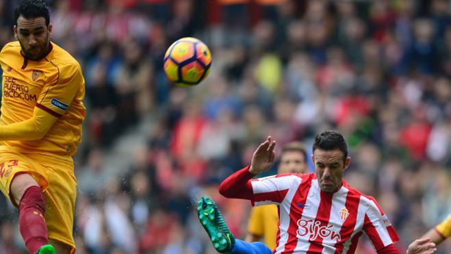El Sevilla no aprovecha su dominio y cede un empate ante el Sporting
