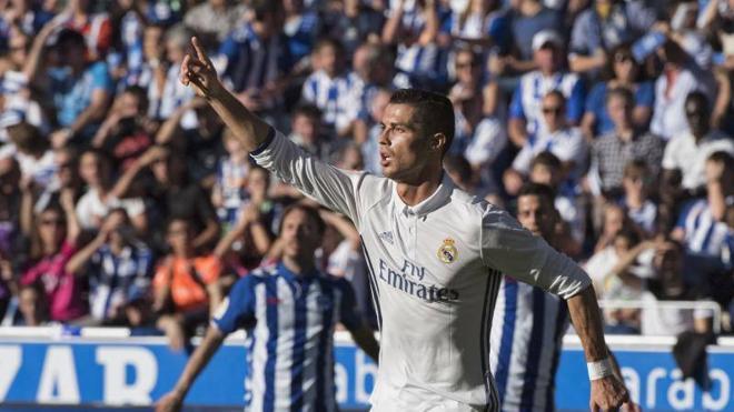 Cristiano recupera el gol antes de renovar