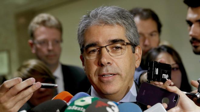Homs denuncia en el Congreso que el Supremo se pliega a los intereses del PP
