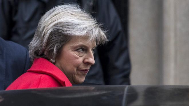 May amenaza con cesar a los ministros que filtren información sobre el Brexit
