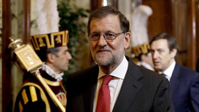 Rajoy, sobre la Constitución: «No es momento para ocurrencias e historias»