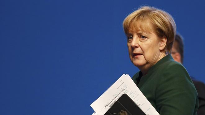Los conservadores alemanes optan por un giro a la derecha no asumible por Merkel