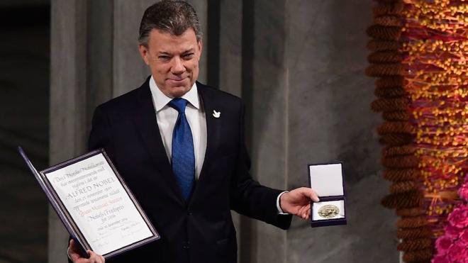 Santos recibe el Nobel de la Paz: «La guerra en Colombia ha terminado»