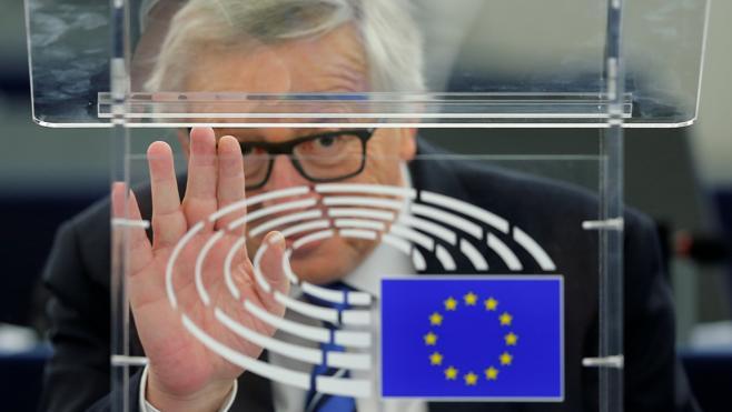 Juncker «vestirá de luto» si Le Pen es presidenta de Francia
