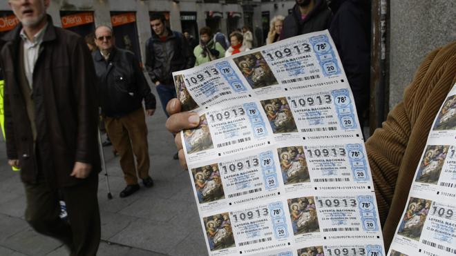 Quedarse con un premio de Lotería compartido y falsificar o robar el décimo puede conllevar penas de cárcel