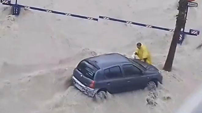 Fallece un hombre tras ser sorprendido por una tromba de agua en Alicante