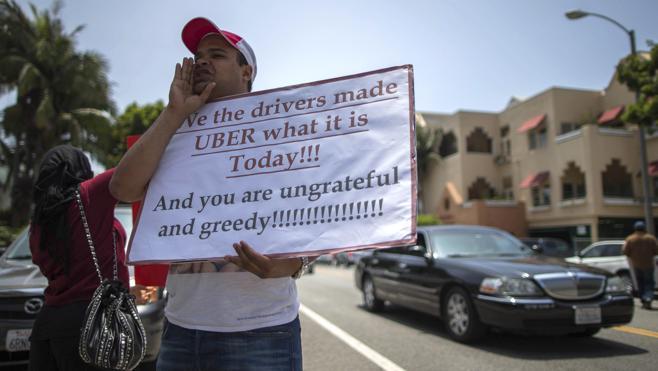 Uber desafía al gobierno de California y mantiene automóviles sin conductor