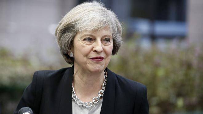 May llama a la unidad de los británicos en su primer mensaje navideño