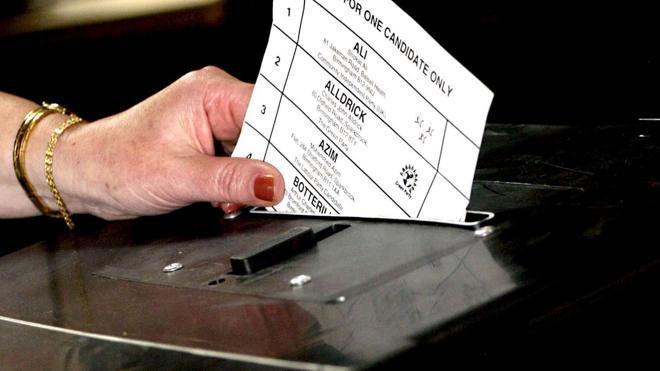 Reino Unido pedirá por primera vez documentos de identificación para votar
