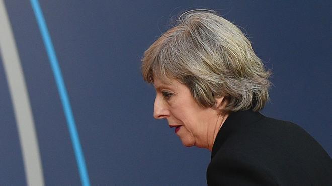Theresa May viajará a EE UU para reunirse con Trump «en primavera»