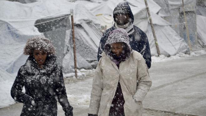 La ola de frío en Europa pone en riesgo de muerte a miles de refugiados