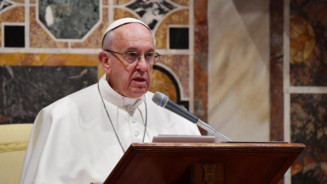 El Papa critica las «falsas esperanzas» que proponen los ídolos o adivinos