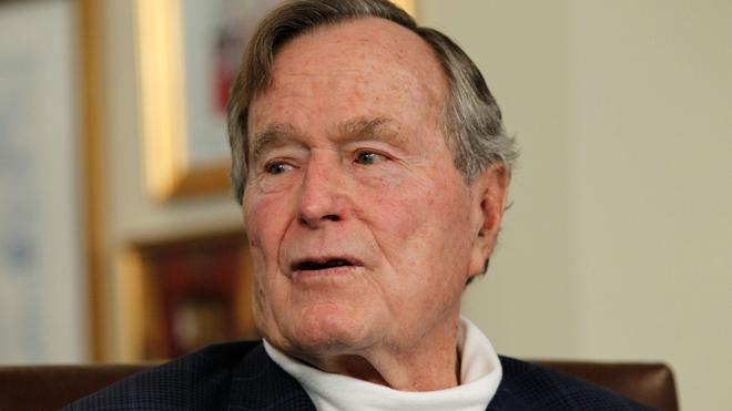 Hospitalizan al expresidente George H. W. Bush en Houston