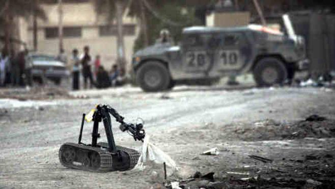 Los robots revolucionarán el arte de la guerra, apuntan expertos en Davos