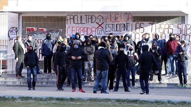 La escuela pública propone una huelga general para el 9 de marzo