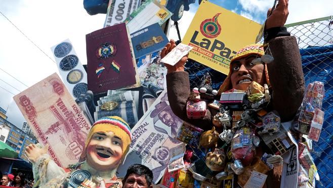 Los bolivianos invocan a 'Ekeko', el dios de la abundancia