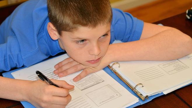 Cómo lograr que sus hijos hagan los deberes solos