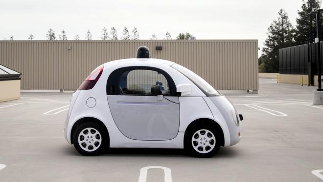 Las pruebas de los coches autónomos en España deberán hacerse con piloto
