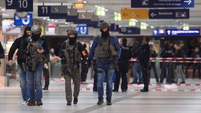 El autor del ataque con un hacha en Dusseldorf actuó en solitario y tenía problemas mentales