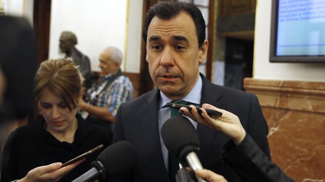 Martínez-Maíllo: «No hay que tener miedo a que exista más de un candidato ni a la democracia»