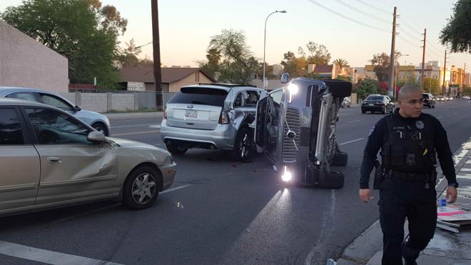 Uber cancela las pruebas de sus coches autónomos tras un nuevo accidente