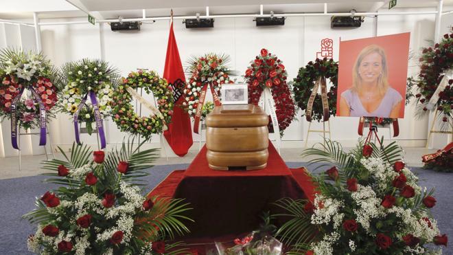 La Generalitat concede a Carme Chacón la cruz de Sant Jordi a título póstumo