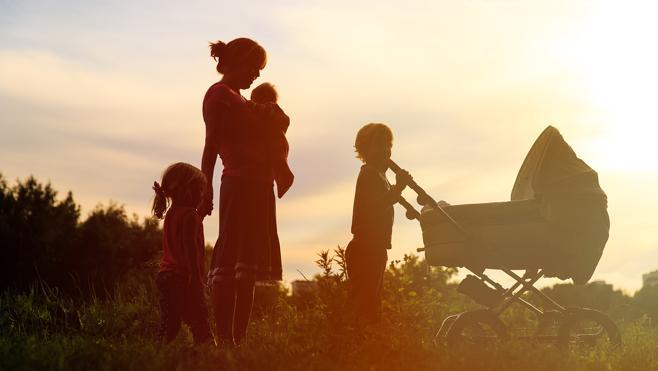 Con pareja, pero como madre, mejor sola
