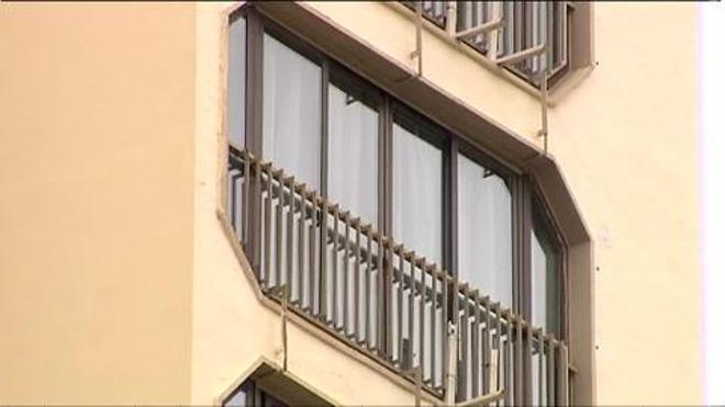Investigan la muerte de una joven británica que cayó de un décimo piso en Benidorm