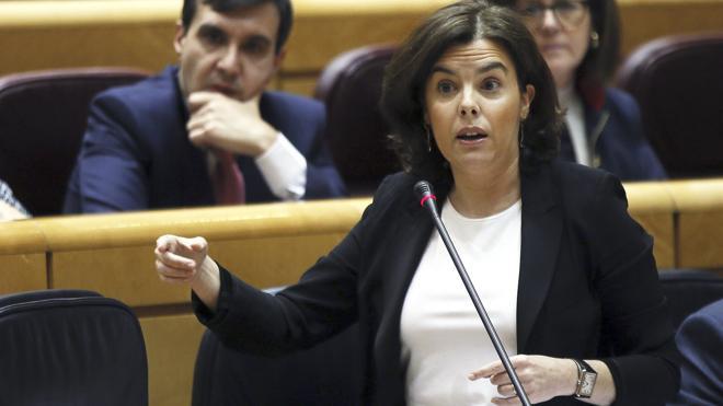Sáenz de Santamaría: «Pese a 'Lezo', Cifuentes tiene mi apoyo y el del Gobierno»