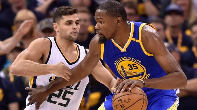 Kevin Durant deja a los Warriors a un paso de la final del Oeste