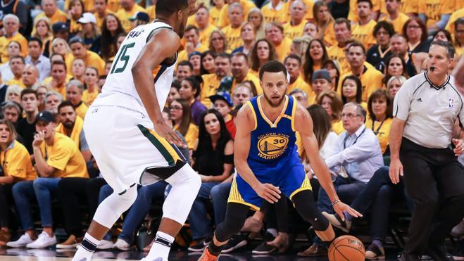 Curry y los Warriors siguen invictos y se clasifican para las finales del Oeste