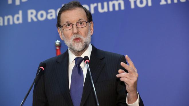 Rajoy pide «seriedad» al PSOE en vez de dedicarse a pedir su dimisión
