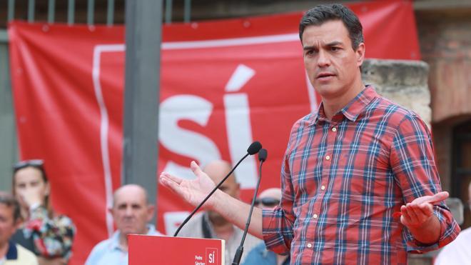 Sánchez ve en el proyecto de Díaz una «involución en la participación democrática»