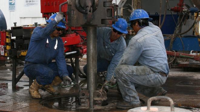 Justicia subasta por vez primera petróleo intervenido en una estafa
