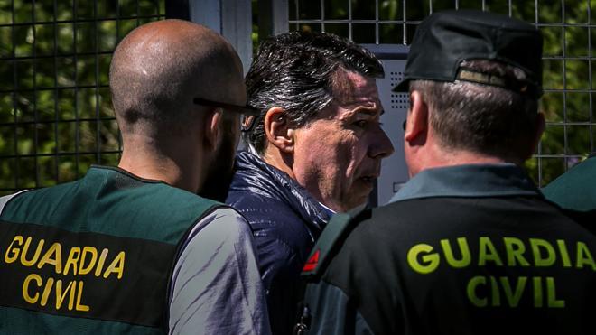 Un juez quiere identificar a la «magistrada» que alertó a Ignacio González