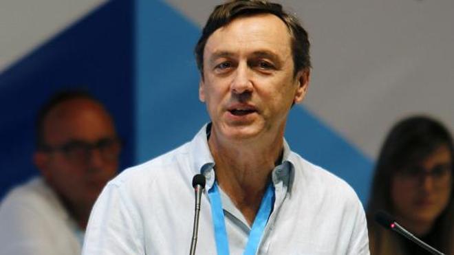 Hernando pide a Sánchez que dialogue con el PP y deje el 'no es no'