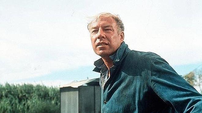 Muere a los 91 años George Kennedy, ganador del Oscar por 'La leyenda del indomable'