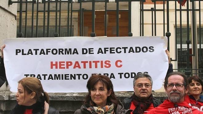 Las plataformas de la Hepatitis C piden a Sanidad que administre ya los nuevos fármacos a todos los enfermos