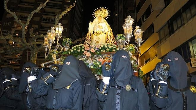 Santa Nonia se llena de pasión mariana