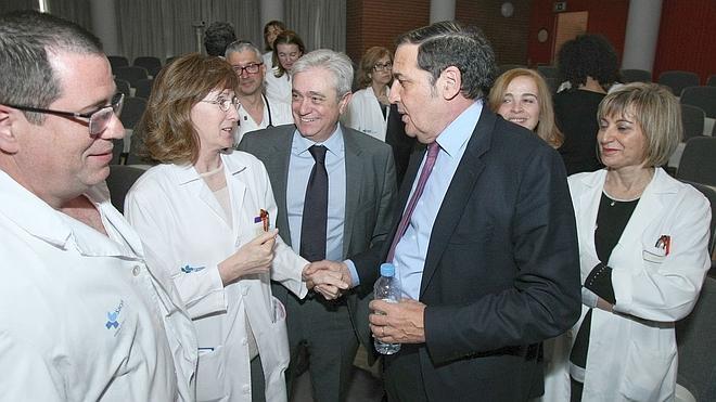 Aguado anuncia mejoras para el traslado de pacientes de oncología a León