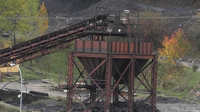 La Junta exige al Gobierno dejarse de escudar en su interinidad y cumplir con el carbón