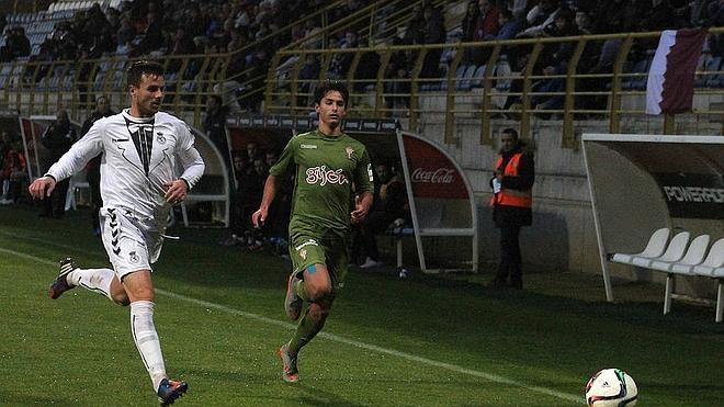 Santi Santos: «Creo que repetiremos la defensa de tres en Aranda»