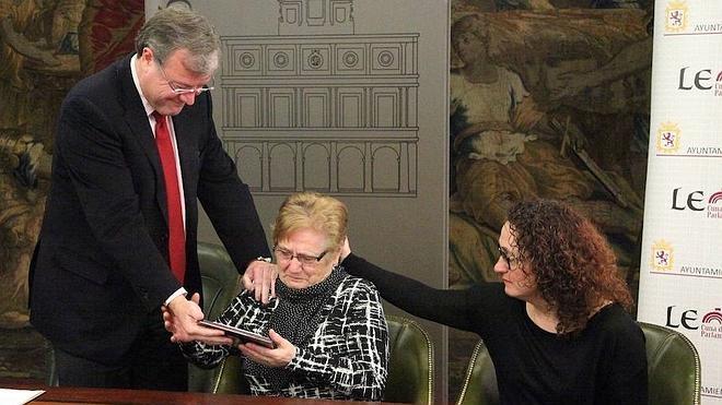 León rinde homenaje a Brígida Pastrana, Defensora del Discapacitado