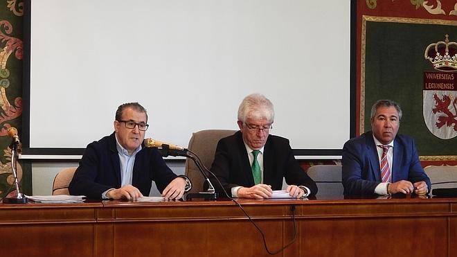 Luis Barcenilla defiende la política como «salida profesional» para abogados y periodistas