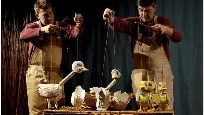 'El patito feo' enseña tolerancia en el Teatro San Francisco