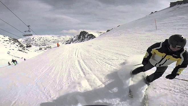 El fuerte viento no impide que 2.000 esquiadoras acudan a las estaciones de la provincia