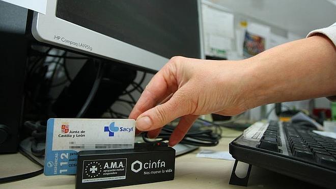 Sanidad acelera la implantación de la receta electrónica que estará lista en junio en toda la provincia