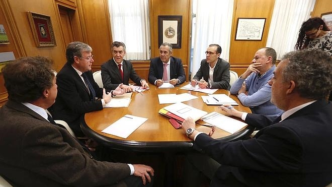 La mesa del Diálogo Social confía en ampliar los perfiles profesionales en próximas convocatorias de empleo