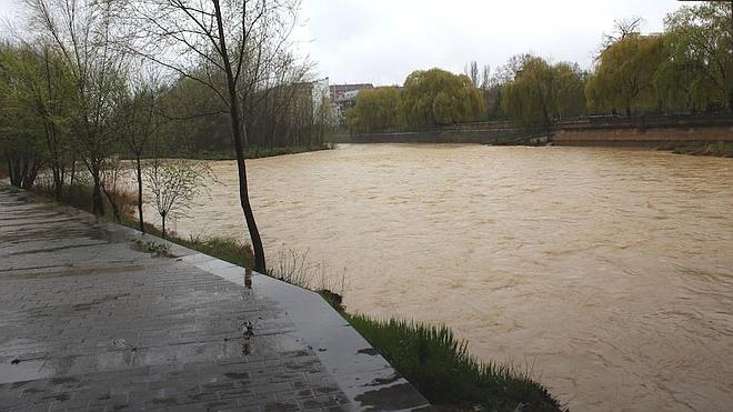 León se inunda
