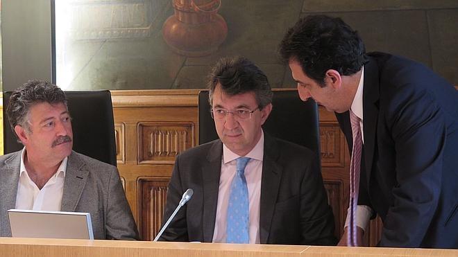 La Diputación no cobra a la Junta por el alquiler del Conservatorio, pero recibe a cambio 150.000 euros para reforma de colegios